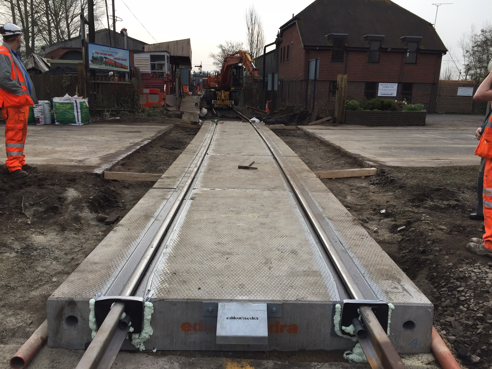 First Corkelast® LCS level crossing installed in the UK ...